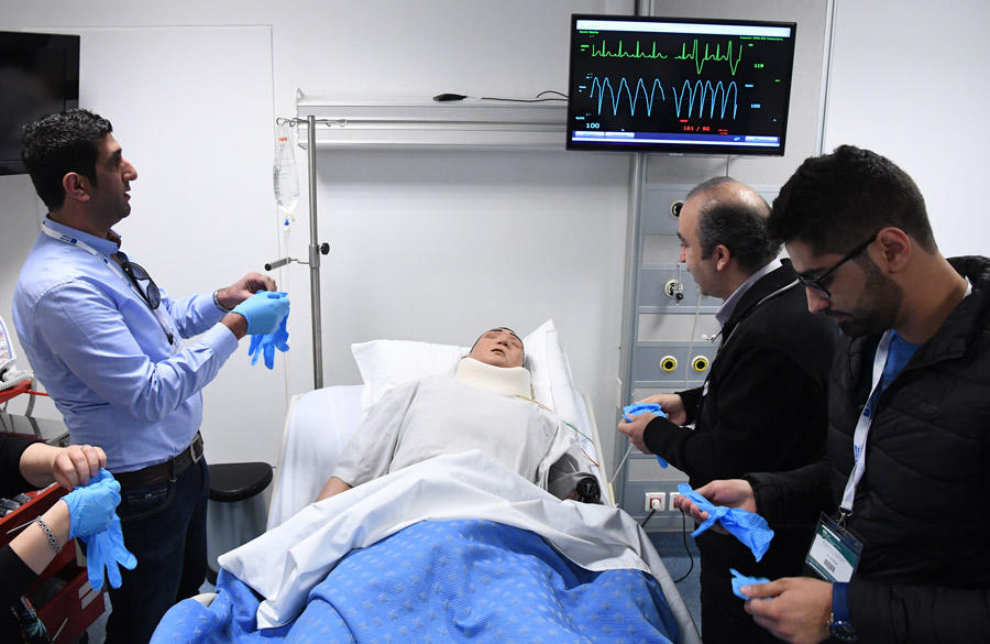 effect of simulation based education on medical knowledge Validation of simulation-based assessment tools used to measure physicians' and clinicians' knowledge, procedural, and communication skills best use of simulators and simulation-based education for individual and team performance training.