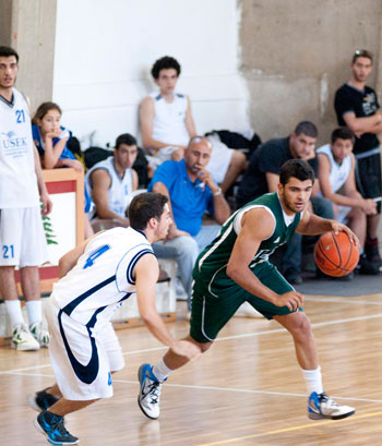 byblos-basketball-win-usc-02.jpg