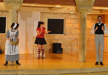 theater-day2010-14-big.jpg