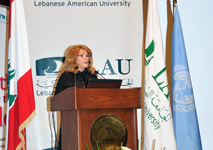 mun-inauguration2010-11-03-big.jpg
