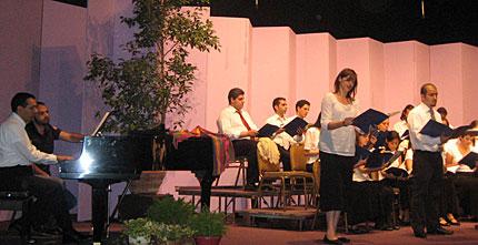 choir-spring09-03-big.jpg