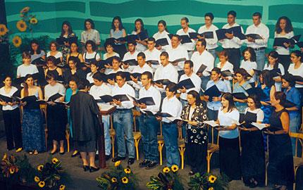choir-spring99-06-big.jpg