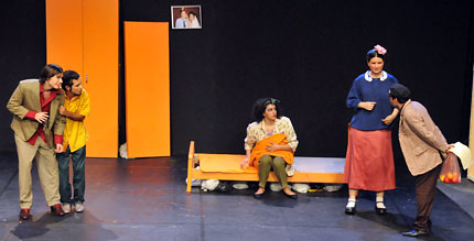 theater-festival2010-13-big.jpg